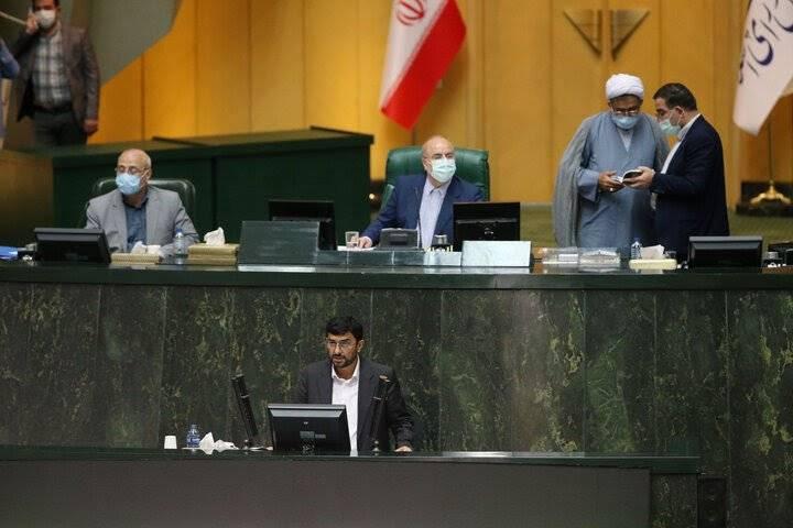 مجلس به مدرس خیابانی رای اعتماد نداد