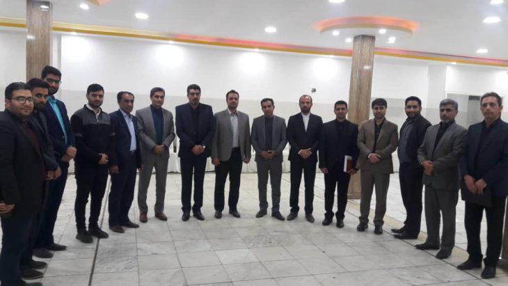 جلسه هم اندیشی اعضای ستاد دکتر روحانی، دبیران احزاب اصلاح طلب، فعالین سیاسی ومطالبه گران اجتماعی برگزار شد.
