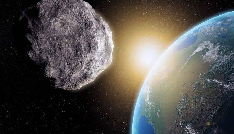 گذر سیارک غول پیکر از کنار زمین تا ساعاتی دیگر
