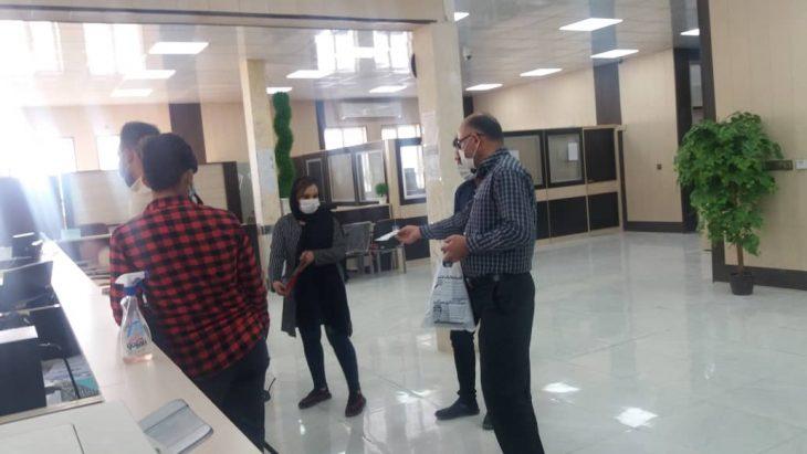 به منظورحفظ سلامتی و حال دانشجویان و مراجعه کنندگان توزیع ماسک رایگان بین دانشجویان مرکز رامهرمز