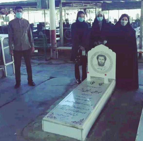 غبار روبی مزار شهدا توسط دانشگاهیان پیام نور واحد آغاجاری