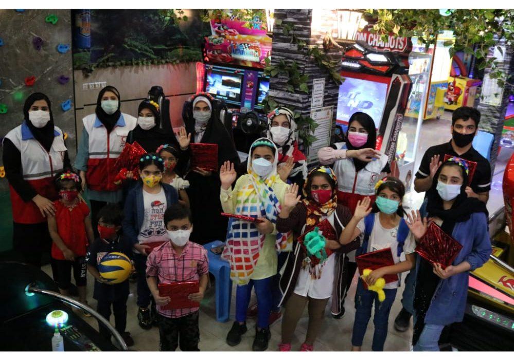 روز متفاوت کودکان با اجرای طرح «به وقت شادی» در اندیمشک